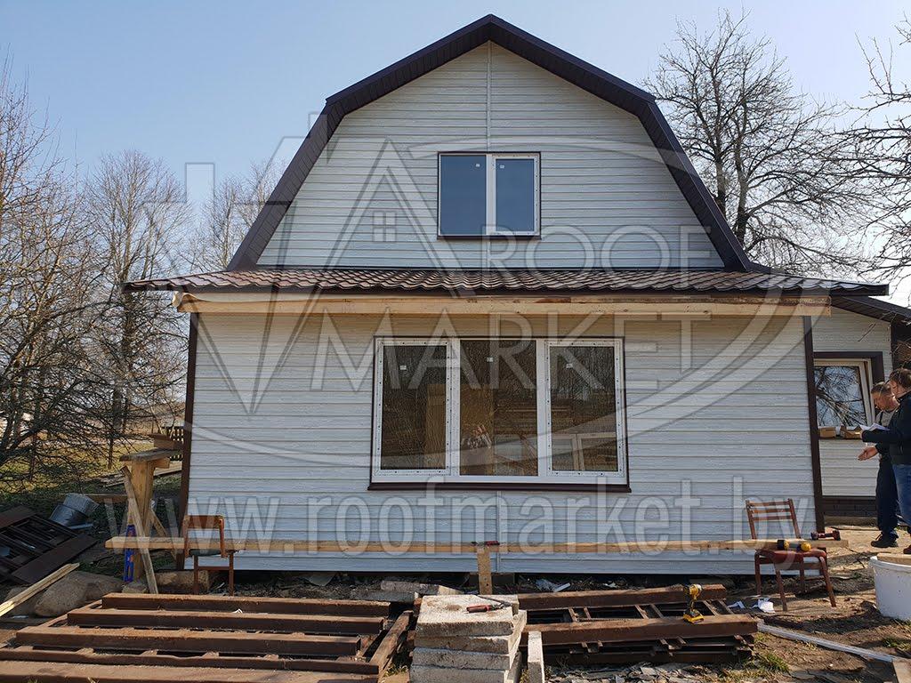строительство пристройки к дому с зашивкой сайдингом