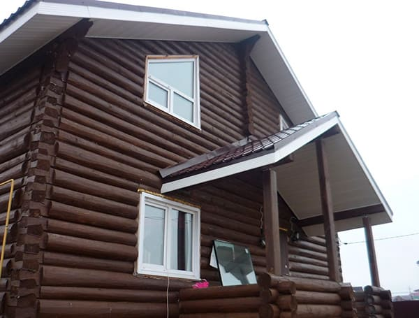 Подшивка свесов крыши по стропилам